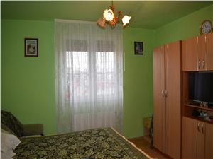 Apartament 2 camere zona Lupeni