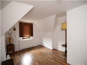 Casa 5 camere, zona Octavian Goga
