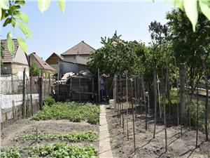 Casa pretabila 2 familii zona Turnisor