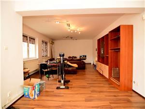 Casa cu 10 camere, zona Strand