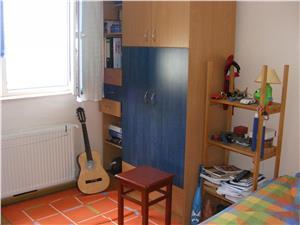 Apartament cu 3 camere de vanzare in Hipodrom IV   Siibiu