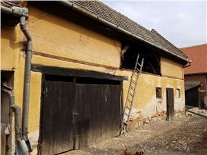 Casa situata in centrul comunei Cristian