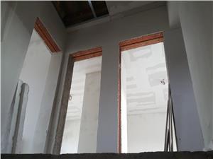 Casa stil triplex, zona Rezidentiala