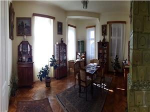 Vila de vanzare zona Parcului Sub Arini Sibiu