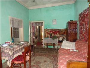 Apartament la casa, corp separat de vanzare  ultracentral in Sibiu