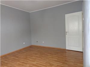Apartament 5 camere etaj I de vanzare in Strand   Sibiu
