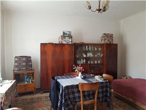 Casa cu 920 mp teren zona Stefan cel Mare  Trei Stejari