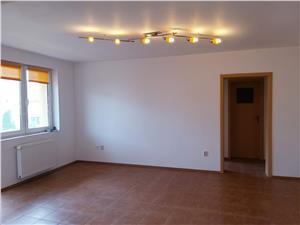 Apartament 3 camere de vanzare in Hipodrom