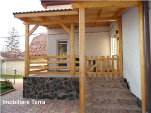 Casa de vanzare in Sibiu cu 2 corpuri in aceeasi curte zona Lazaret